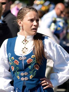 Girl with Norwegian traditionnal costume | Flickr - Photo Sharing!