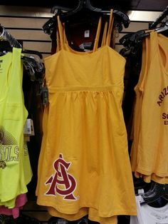 Great sundress to wear at football games or around campus.