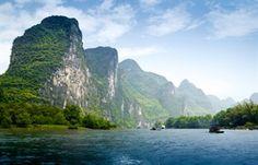 De prachtige krijtrotsen in Guilin - China