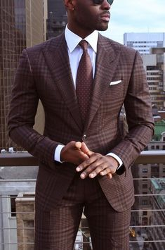 21 Pictures Of Sexy Black Men Gentleman Mode, Gentleman Style, Best Suits For Men, Cool Suits, Sharp Dressed Man, Well Dressed Men, Mens Fashion Suits, Mens Suits, Mode Masculine