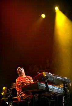 Stevie Wonder by Dave Mead Glossy Eyes, Soul Singers, R&b Soul, Jazz Musicians, Rhythm And Blues, City Limits, Reggae Music, Stevie Wonder, James Dean