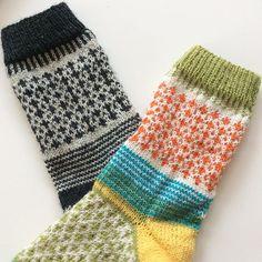 Countdown ... Ab morgen gibt es die Anleitung von meiner Socke No 2 bei Dawanda und Ravelry. Vielen Dank an meine fleißigen Probestrickerinnen, die ganz tolle Farbkombinationen gezeigt und mir sehr geholfen haben #sockeno2#sockenstricken#knitting#knittingsocks #knittersofinstagram