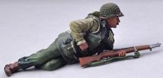 World War II U.S. 2nd Ranger Battalion USA007B Prone Ranger Wet Look - Made by Thomas Gunn Military Miniatures and Models. Factory made, hand assembled, painted and boxed in a padded decorative box. Excellent gift for the enthusiast.