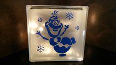 Glasblok lamp Frozen Olaf.  Te koop op: www.verrassendveelzijdig.com