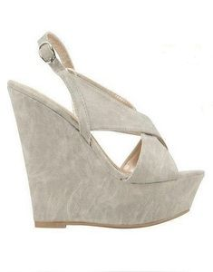 Crossover wedges in Light Grey.