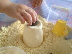 Un sable de lune d'une très grande finesse pour faire de beaux pâtés à la maison ! // Amazing Moon sand // cloud dough