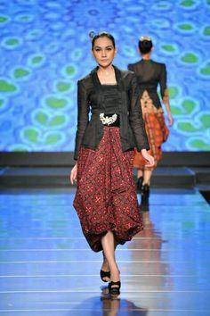 ,KEBAYA - Indonesian National Dress