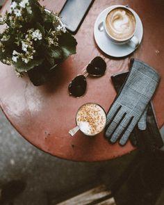 @elahblog #Helsinki #blogi #fashionblogger #kahvi #kahvila #coffeetable #autumncolors #blogger #blogginggals
