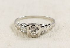 Distinctive 18K White Gold 0.20ct Diamond Solitaire SI2/H Art Deco Vintage Inspired Ladies Ring Size 8.25 - 2.4 grams FREE SHIPPING! $399.00