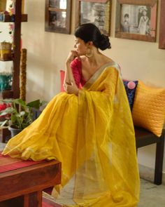 The speciality of handwoven and natural dyed saree is that it is very elegant to wear and is comfortable. Handwoven Sarees take time to… Saree Blouse Patterns, Saree Blouse Designs, Cotton Saree Designs, Saree Poses, Saree Trends, Saree Photoshoot, Dress Indian Style, Ethnic Sarees, Stylish Sarees