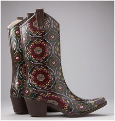 I want these too! cowboy (rain) boots!
