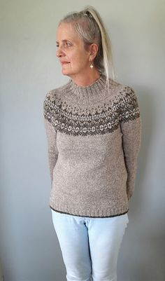 Ravelry: Aamu pattern by Isabell Kraemer Jumper Patterns, Knitting Patterns, Knitting Ideas, Ravelry, Needlework, Vest, Pullover, Jumpers, Beautiful Things