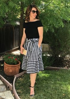 My Must-Have Bag for Spring & Summer - Parker Posts Modest Outfits, Modest Fashion, Dress Outfits, Fashion Dresses, Blue Skirt Outfits, Modest Wear, Cute Dresses, Casual Dresses, Casual Outfits