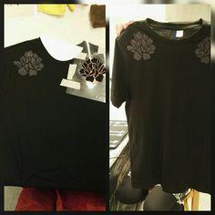 Printin painamista tuputtamalla t-paidalle.