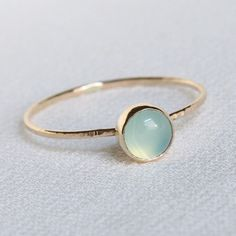 Solid 14k Gold Polar Orb Ring  Simple and Tiny Solid di MARYJOHN, $90.00