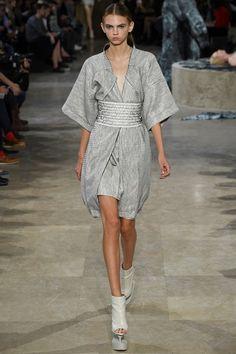 Sfilata Iris van Herpen Parigi - Collezioni Primavera Estate 2016 - Vogue