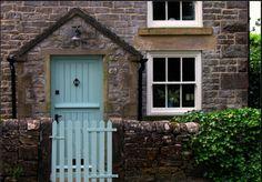 ideas for robins egg blue door color Provence, Turquoise Door, Aqua Door, Blue Doors, Cottage Front Doors, Garage Door Styles, Front Door Colors, Diy Door, Doorway