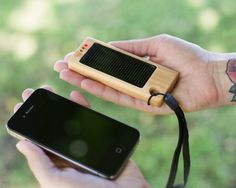 The Bamboo Solar Charger converts sunlight to battery power and will charge any and every camera phone. Stylish AND economical. I'm down. @Photojojo is awesome.