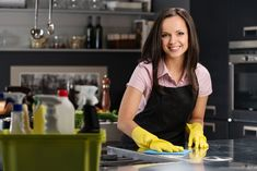 Learn step-by-step how to start a cleaning business from scratch from a real house cleaning service owner. I will show you how to get started from home. Residential Cleaning Services, Office Cleaning Services, House Cleaning Checklist, Professional Cleaning Services, Cleaning Business, Maid Cleaning Service, Cleaning Maid, Green Cleaning, Cleaning Hacks