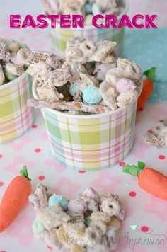 This is the best Easter Crack Recipe/Bunny Bait Recipe that you will find. There… This is the best Easter Crack Recipe/Bunny Bait Recipe that you will find. There is no need to cook anything and it can be made in minutes! Easter Snacks, Easter Appetizers, Easter Candy, Easter Brunch, Easter Treats, Easter Dinner, Easter Desserts, Easter Food, Halloween Desserts