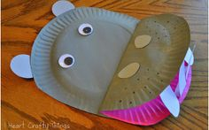 Well over 200 kid's crafts using paper plates! Children love paper plate crafts, and grown ups love how inexpensive they are. Kids Crafts, Hippo Crafts, Jungle Crafts, Zoo Crafts, Paper Plate Crafts For Kids, Animal Crafts For Kids, Family Crafts, Crafts For Kids To Make, Toddler Crafts