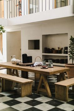 Casa Pueblo Tulum: Tropical Bohemianism x Urban Minimalism – Design. Tulum Mexico, Esprit Hippie, Table Teck, Before After Kitchen, Turbulence Deco, Style Minimaliste, Kitchen Office, Lounge Areas, Fashion Room