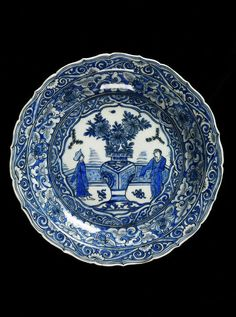 Dish    Place of origin:  Iran (made)    Date:  1616-1642 (made)    Artist/Maker:  Unknown (production)    Materials and Techniques:  Friteware, painted in underglaze blue and black  V, C.1971-1910