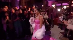 New party member! Tags: ariana grande walking bye mtv movie awards movie awards 2016 mtv movie awards 2016 over the shoulder