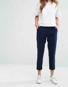 Casual outfit tenis fashion minimal minimalist outfits tips womens minimalist fashion tips womens minimal outfits vestido mdio s manga cinza Casual Chic Outfits, Work Casual, Fashion Outfits, Swag Fashion, Dope Fashion, White Outfits, Girly Outfits, Fashion Tips, Fashion Pants