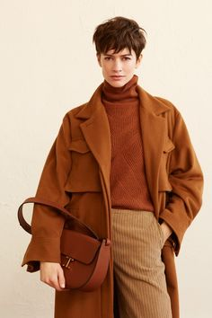 Ines de la Fressange Prêt-À-Porter Automne-Hiver 2019 - tendances mode, beauté, mannequins et inspirations