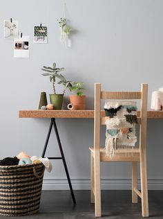Get creative with a weaving project. It's the perfect activity to experiment with materials, colours and sizes. Good luck!