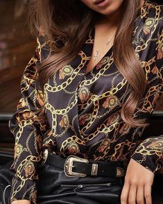 Womens Blouses And Tops V Neck Chain Print Button Shirt Lady Long Sleeve Casual Blouse Tops Office Lady Clothes Womens Clothing Camisa Vintage, Blouse Vintage, Look Fashion, Womens Fashion, Neck Chain, Shirt Bluse, Summer Blouses, Shirts & Tops, Printed Blouse