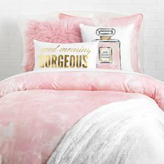 Rise and shine. Wake up every morning with an instant compliment in the form of this metallic pillow. Head out each day knowing that you and your room both look great with the Good Morning Gorgeous pi