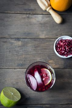Love this gin & tonic & pomegranates cocktail. I'm thinking it's perfect for Valentine's Day.