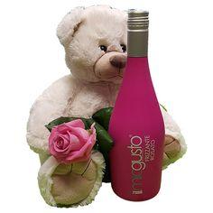 Quality Fruit Baskets. Beer 5  Knuffel 45 cm Grote witte knuffelbeer met roze roos en een prachtige fles Frizzante rosato Deze beer is ongeveer 45cm heerlijk zacht en van een goede kwaliteit! Met dit cadeau maak je een verpletterende indruk