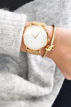 Must-Have: Round Statement Watch | Le Fashion | Bloglovin