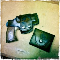 Texas Star holster and ammo wallet for the Bond Arms derringer. By: the Uker of OZ