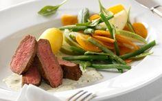 Entrecote og kold estragonsauce Kold estragonsauce er et godt alternativ til bearnaisesauce, og smager fortrinligt til et stykke stegt kød og en frisk salat.