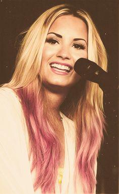 Demi Lovato. Pink dip dye hair.