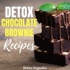 These healthy brownies are full of tasty and healthy ingredients which are loaded with detox benefits. Stomach Fat Burning Foods, Detox Tea Diet, Detox Drinks, Detox To Lose Weight, Detox Organics, Full Body Detox, Healthy Brownies, Healthy Detox, Vegan Detox