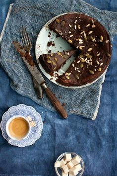 Little upside-down cake: Rainy Weekend and Chocolate Gluten Free Cake Gluten Free Cakes, Gluten Free Baking, Gluten Free Desserts, Just Desserts, Gluten Free Recipes, Dessert Recipes, Cake Recipes, Churros, Gluten Free Chocolate Cake