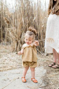 Cute Baby Girl, Mom And Baby, Cute Babies, Baby Kids, Baby Girl Fashion, Kids Fashion, Photo Bb, Boho Baby, Stylish Kids