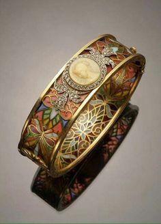 Art Nouveau 18-k gold, platinum, diamond, plique--jour and cameo bracelet by Masriera y Carreras.