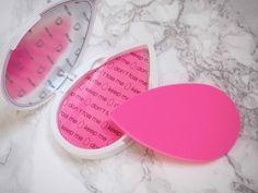 OSTOLAKOSSA: Beautyblenderin Blotterazzi-kiillonpoistolaput ovat aivan loistava tapa poistaa kasvoilta kiiltely ilman puuteria!