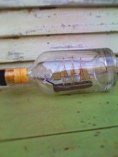 Ship-bottle