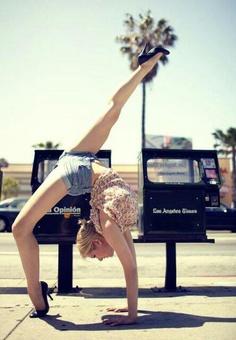Llegará un dia que hacer gimnasia con tacones será lo mas cool.