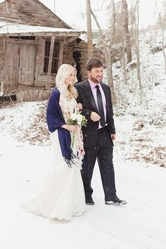 snowy Tennessee bridals | see more at http://mountainsidebride.com/2014/01/snowy-tennessee-inspiration-shoot