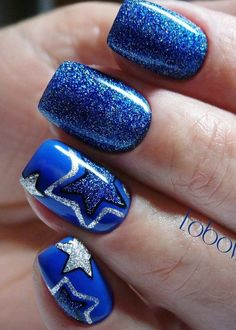 Blue glitter nails, Blue winter nails, brilliant nails, Festive nails, Nails with stars, New Year nails 2018, New year nails ideas 2018, Shimmer nails