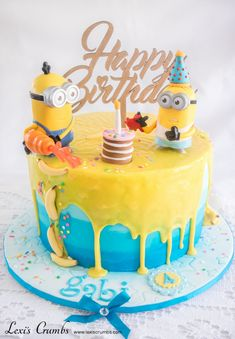 Minion drip cake www.lexiscrumbs.com Minion Cupcakes, Cake Minion, Lego Cake, Minion Theme, Easy Minecraft Cake, Minecraft Houses, Cake For Boyfriend, Dad Cake, Novelty Birthday Cakes