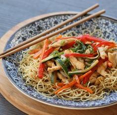 Chop Suey Chop Suey, Sushi, Saveur, Japchae, Spaghetti, Cooking, Ethnic Recipes, Desserts, Food